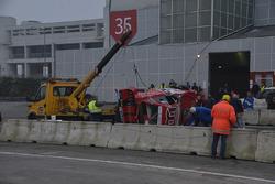 La Ford Mustang di Dario Caso vieni rimossa dalla pista