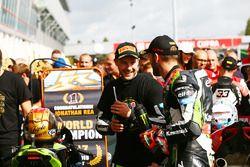 Il vincitore della gara e Campione 2017 Jonathan Rea, Kawasaki Racing, Tom Sykes, Kawasaki Racing
