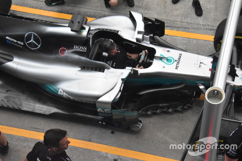 Mercedes AMG F1 W08 barge board