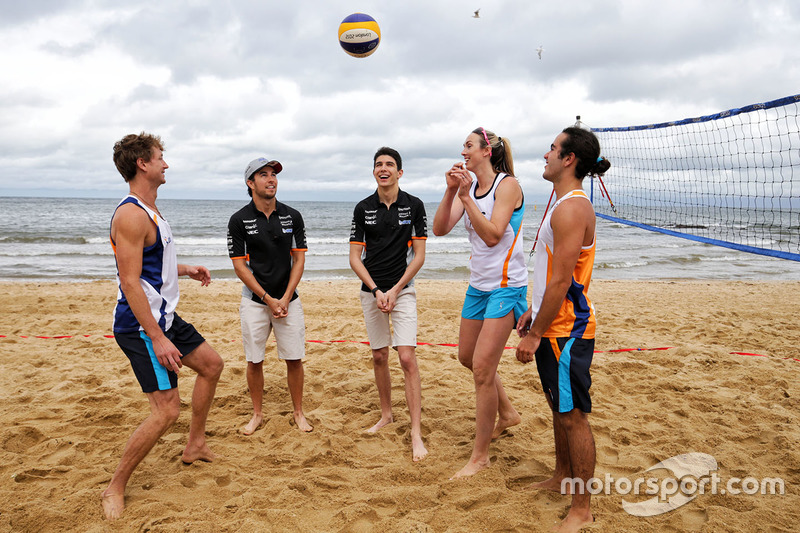 Sergio Perez, Sahara Force India F1 Team; Esteban Ocon, Sahara Force India F1 Team; Volleyball-Spieler Tamsin Hinchley