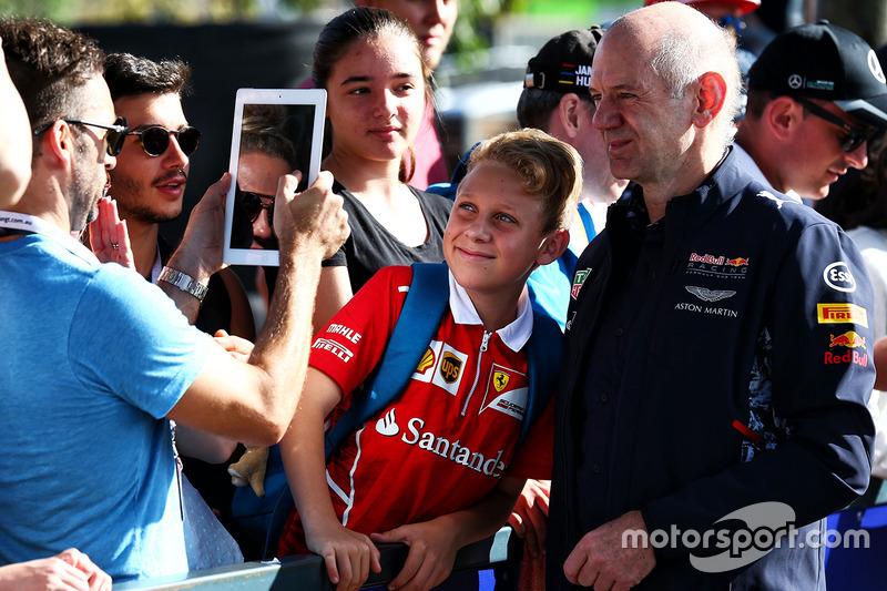 Adrian Newey, Red Bull Racing director técnico con fans