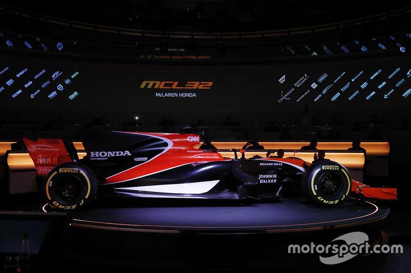 Презентация McLaren в исторических оранжевых цветах