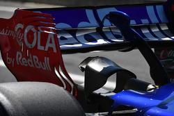Заднее антикрыло Scuderia Toro Rosso STR12 Карлоса Сайнса-мл.