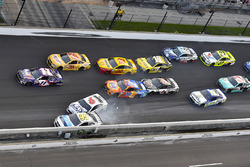 Trevor Bayne, Roush Fenway Racing Ford, Michael McDowell, Leavine Family Racing Chevrolet