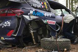 Daños en el Fiesta WRC de Sebastien Ogier