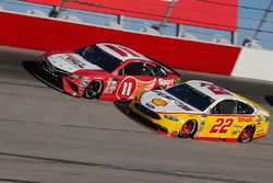Joey Logano, Team Penske Ford Denny Hamlin, Joe Gibbs Racing Toyota