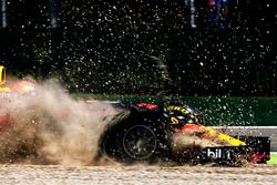 Max Verstappen, Red Bull Racing RB13, in the gravel