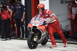 После аварии: мотоцикл Микеле Пирро, Ducati Team