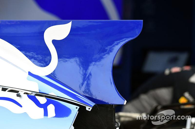 Scuderia Toro Rosso STR12, Karosserie, Detail