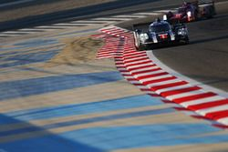 #1 Porsche Team Porsche 919 Hybrid: Timo Bernhard, Mark Webber, Brendon Hartley, #13 Rebellion Racin