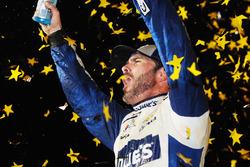 Ganador de la carrera y campeón 2016 Jimmie Johnson, Hendrick Motorsports Chevrolet