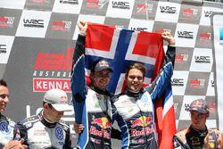 I vincitori Andreas Mikkelsen, Anders Jäger, Volkswagen Motorsport