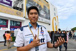 Tin Sritrai, Team Thailand Honda Civic TCR met de Hawkers Fan Award