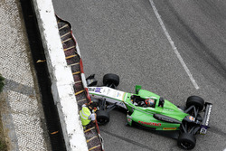 Accident pour Dan Ticktum, Double R Racing Dallara Mercedes