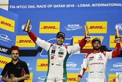 Podium: Racewinnaar Mehdi Bennani, Sébastien Loeb Racing, Citroën C-Elysée WTCC; tweede plaats Thed
