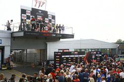 Podium: race winner Jonathan Rea, Kawasaki Racing, second place Tom Sykes, Kawasaki Racing, third pl