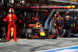Daniel Ricciardo, Red Bull Racing RB13, leaves his pit box after a stop
