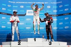 Podium: Race winner Tiago Monteiro, Honda Racing Team JAS, Honda Civic WTCC, second place Tom Chilton, Sébastien Loeb Racing, Citroën C-Elysée WTCC, third place Rob Huff, All-Inkl Motorsport, Citroën C-Elysée WTCC