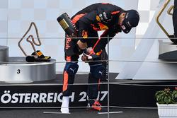 Podio: il terzo classificato Daniel Ricciardo, Red Bull Racing