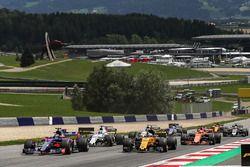 Carlos Sainz Jr., Scuderia Toro Rosso STR12 au départ