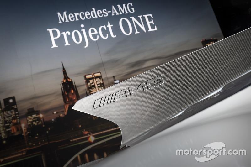Mercedes-AMG Project ONE lansman aracı