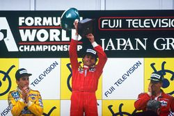 Podium : le vainqueur Gerhard Berger, Ferrari, le second Ayrton Senna, Team Lotus, le troisième Stefan Johansson, McLaren