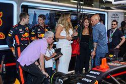 Mariah Carey en el garaje de Red Bull Racing