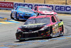 Erik Jones, Furniture Row Racing Toyota, Kyle Larson, Chip Ganassi Racing Chevrolet, Cole Whitt, Tri