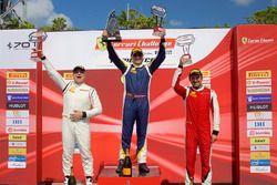 Podio Amateur: ganador Christopher Cagnazzi, segundo Jean-Claude Saada, tercero Ross Chouest
