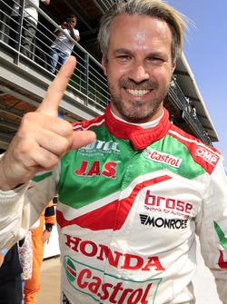 Pole sitter Tiago Monteiro, Honda Racing Team JAS, Honda Civic WTCC