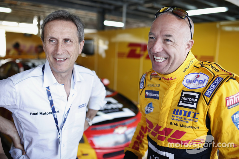Roberto Ravaglia, Team manager team ROAL Motorsport with Tom Coronel, Roal Motorsport, Chevrolet RML