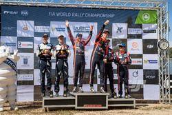 Podium: Winners Thierry Neuville, Nicolas Gilsoul, Hyundai i20 Coupe WRC, Hyundai Motorsport, second