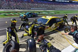Trevor Bayne, Roush Fenway Racing Ford makes a pit stop