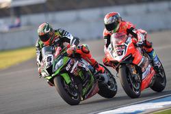 Tom Sykes, Kawasaki Racing; Marco Melandri, Ducati Team