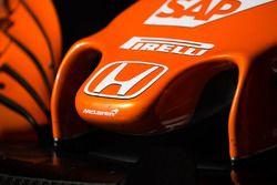 McLaren MCL32: носовой обтекатель