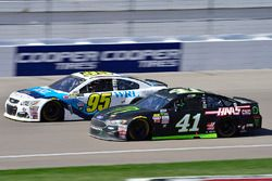 Michael McDowell, Leavine Family Racing Chevrolet, Kurt Busch, Stewart-Haas Racing Ford