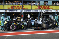 Lewis Hamilton, Mercedes AMG F1 W08, makes a stop during the race