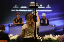 Cameraman in de persconferentie