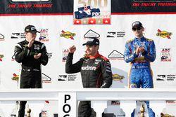 Podium: ganador, Will Power, Team Penske Chevrolet, segundo, Josef Newgarden, Team Penske Chevrolet,