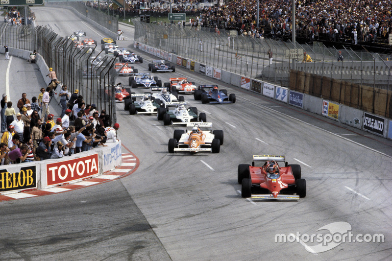 جيل فيلنوف، فيراري 126 سي، يتصدّر انطلاقة السباق