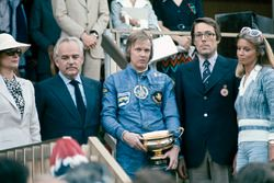 Podium: race winner Ronnie Peterson, Lotus 72E with Prince Rainier and Princess Grace of Monaco