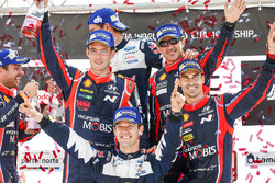 Winnaar Sébastien Ogier, M-Sport, tweede plaats Thierry Neuville, Nicolas Gilsoul, Dani Sordo, Marc
