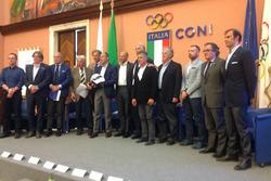 Foto di gruppo durante la presentazione di