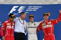 Себастьян Феттель, Ferrari, гоночный инженер Mercedes AMG F1 Тони Росс, Валттери Боттас, Mercedes AMG F1, Кими Райкконен, Ferrari
