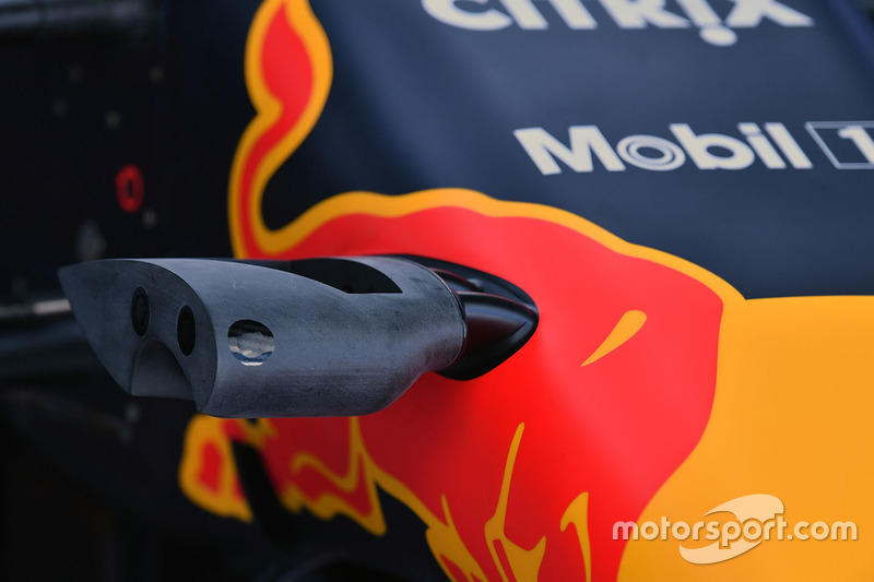 Red Bull Racing RB13 nose camera detail
