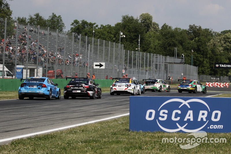 Start action, Mehdi Bennani, Sébastien Loeb Racing, Citroën C-Elysée WTCC leads