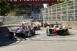 Jose Maria Lopez, DS Virgin Racing, battles with Lucas di Grassi, ABT Schaeffler Audi Sport