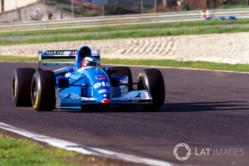 Michael Schumacher a los mandos de Ligier JS39B Renault (1994)