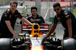 Des mécaniciens Red Bull Racing