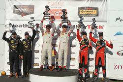 PC-Podium: Sieger #8 Starworks Motorsports, ORECA FLM09: Renger van der Zande, Alex Popow; 2. #52 PR